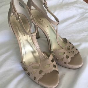 🌸 Nude Ankle Strap Heels 🌸